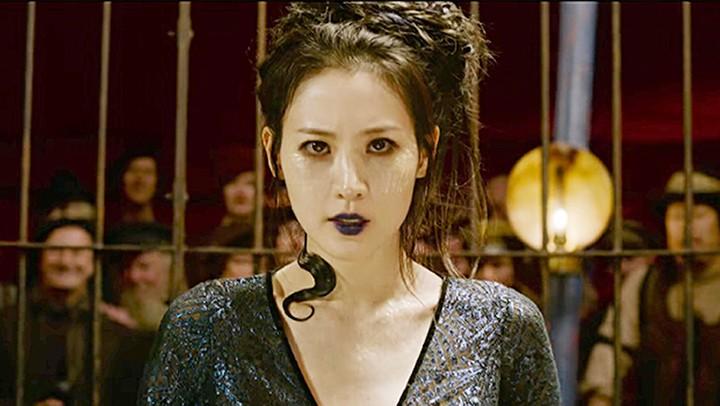 Claudia Kim as Nagini in The Crimes of Grindelwald
