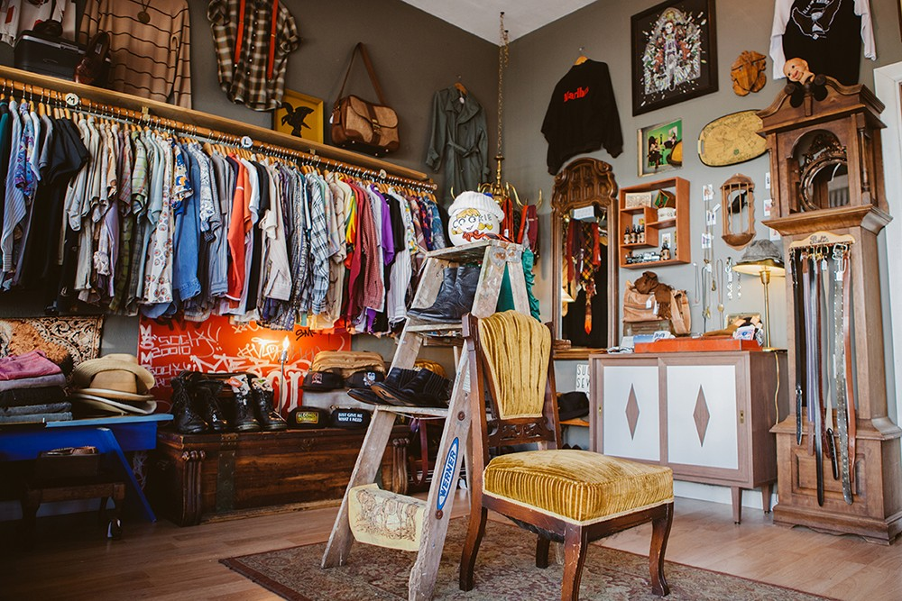 Vintage clothing stores in michigan