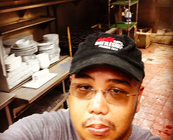 @nova_orlando: Chef Val getting ready to inventory kitchen equipment #novaorlando #chefslife #buildout #construction #ivanhood #whatfoodnetworkdoesntshowyou @chefvaldomingo - PHOTO VIA NOVA ON INSTAGRAM