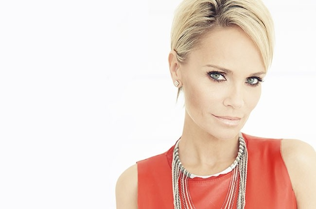 PHOTOA VIA OFFICIALKRISTINCHENOWETH.COM