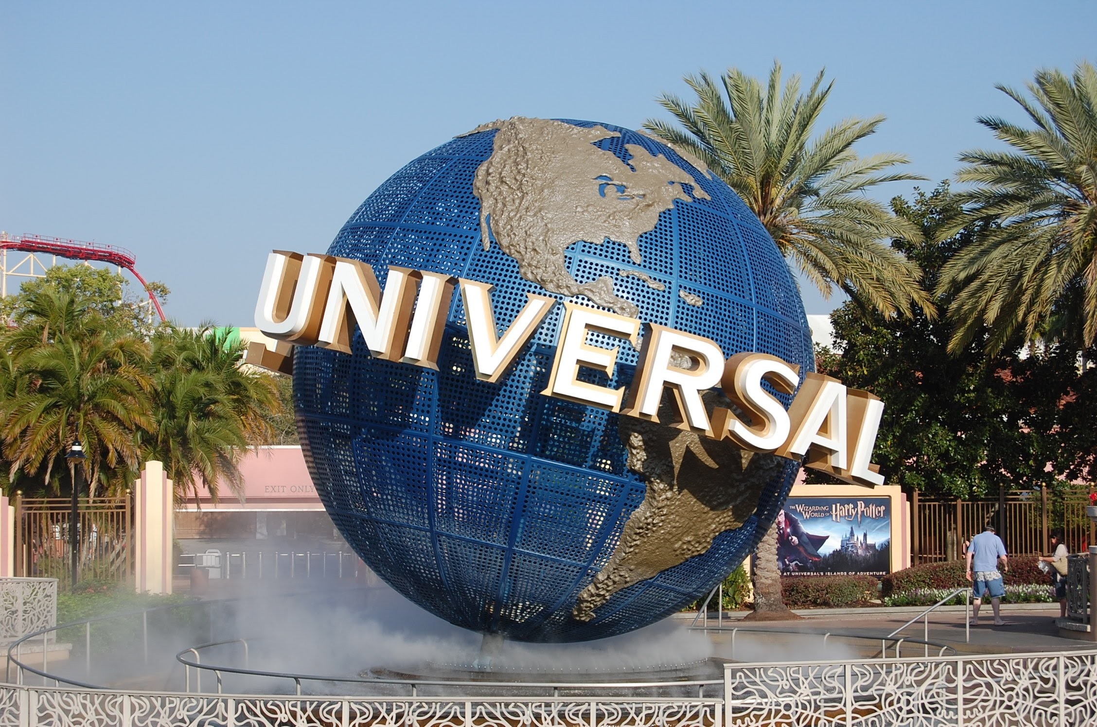 Oct 30,  · Overview. Featuring four exciting theme parks, two water parks, an entertainment complex and much more in Orlando, Florida, Walt Disney World® Resort is a world-renowned attraction themed around classic Disney fairytales and newly popular Disney stories.