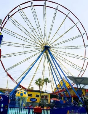 Fun Spot's old Ferris Wheel is nearly completely demo'd with all gondolas now removed. - IMAGE VIA FUN SPOT