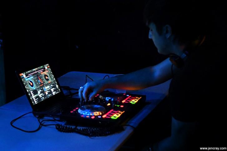 DJ NM at Will's Pub - JEN CRAY