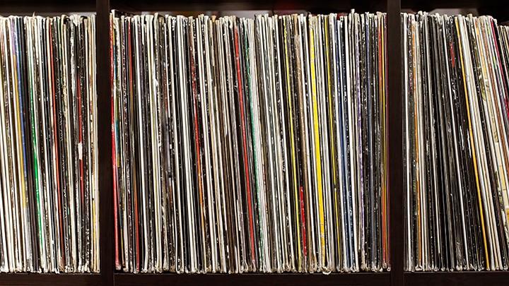 gal_record_spines_adobestock_91702777.jpeg.jpg