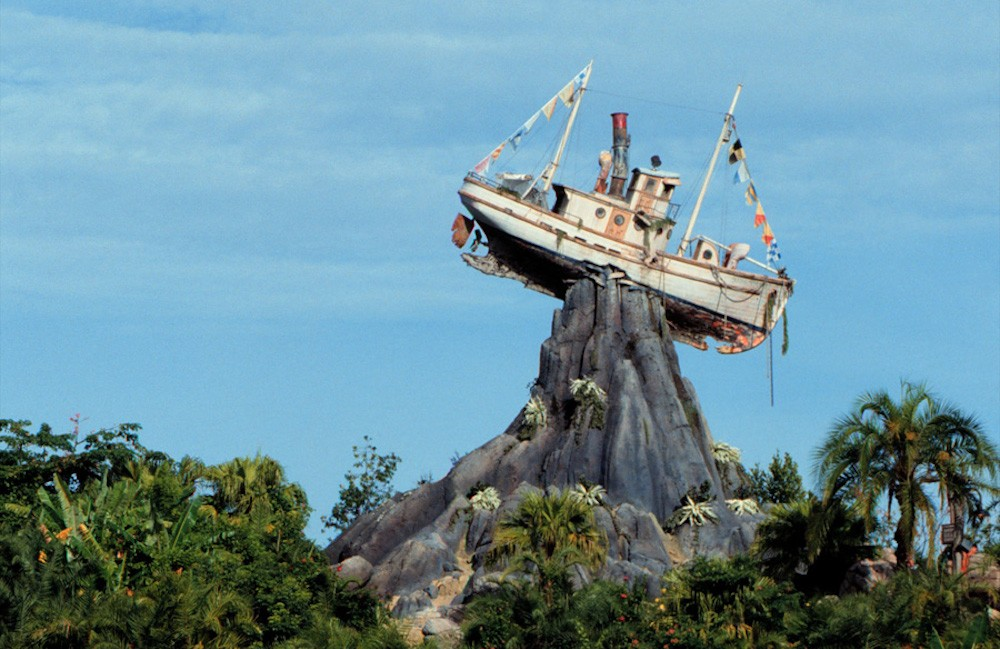 Former worker at Disney's Typhoon Lagoon accused of going back and stealing credit cards from employee locker room