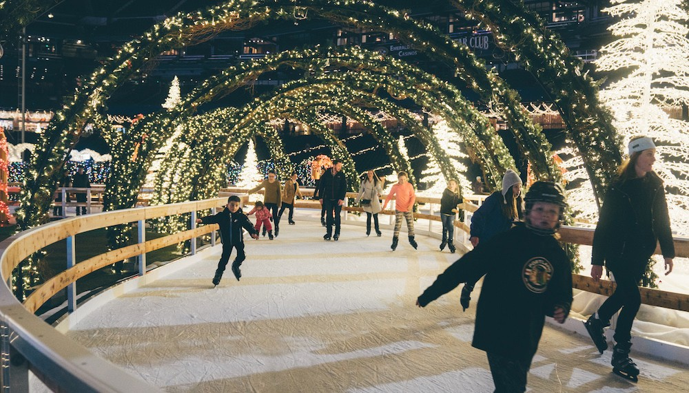 Ice Skating Rink Christmas Orlando 2020 The world's largest Christmas light maze is coming to St. Pete on
