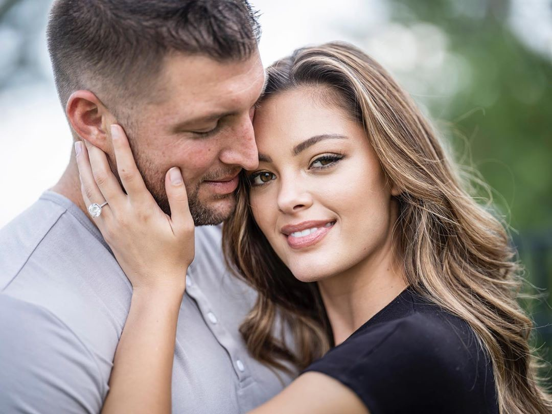 Looks Like Tim Tebow Has Finally Had The Sex Blogs