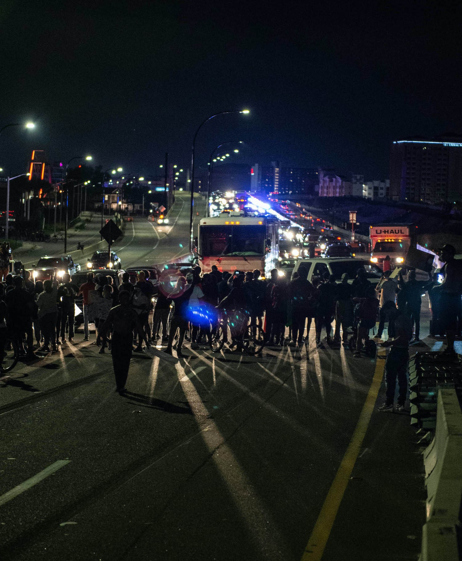 Police and protesters meet on the 408. (Photo by Nicolas Tamayo Leon) - PHOTO BY NICOLAS TAMAYO LEON
