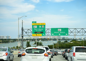 More than 300,000 new residents are moving to Florida every year