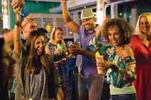 e410712f_bahama_breeze_nye_photo.jpg