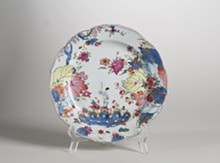 """Learn about works like this polychrome plate, currently on view in the Morse's vignette """"Chinese Blue and White Porcelain."""" - Uploaded by Morse_museum"""