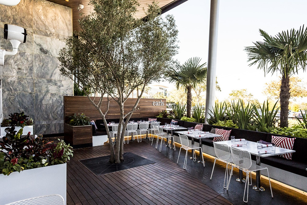 Canadian import Earls Kitchen + Bar brings globally inspired eats to ...