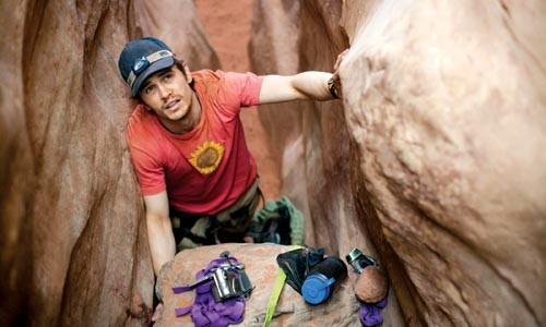 Aron Ralston (James Franco): Between a rock and another rock