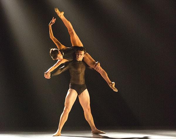 "Aspen Santa Fe Ballet performs ""Beautiful Mistake."""