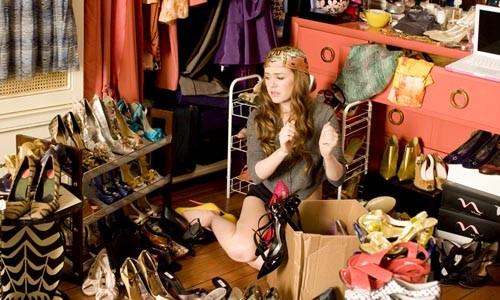 Baby needs new shoes: Rebecca (Isla Fisher)