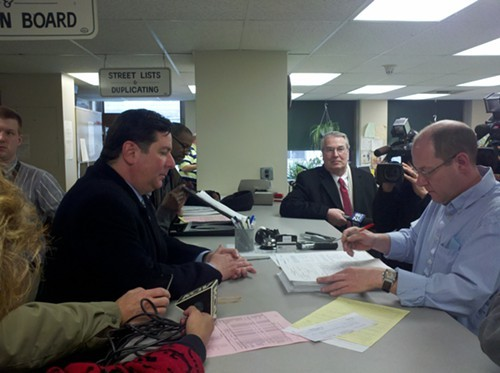 Bill Peduto files nearly 2,700 signatures for Pittsburgh mayors race