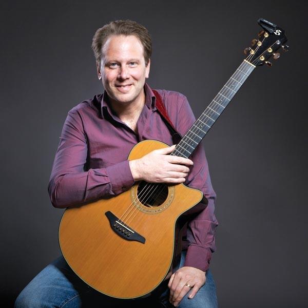 Brian Gore at International Guitar Night