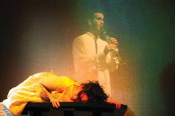 Clarinetist Gilad Harel performs in The Dybbuk.