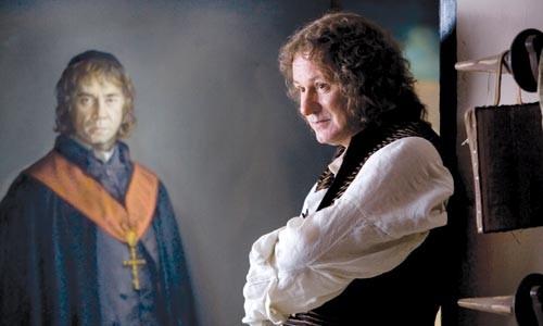Goya (Stellan Skarsgrd), with his portrait of Brother Lorenzo