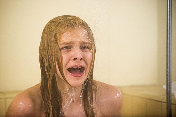 Gym-class tears for Carrie (Chloe Grace Moretz)