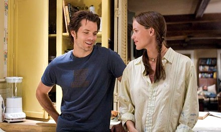 Is it a love connection yet?: Timothy Olyphant and Jennifer Garner
