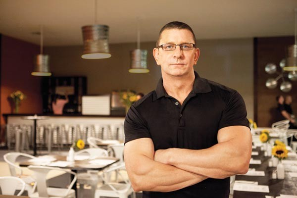 Mr. Fix-It: Restaurant Impossible's Robert Irvine