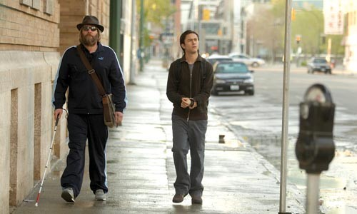 Not so street-smart: Jeff Daniels and Joseph Gordon-Levitt