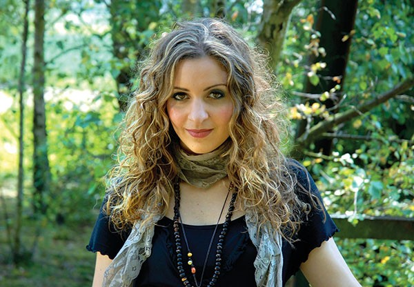 Out-of-country singer: Kayleigh Leith
