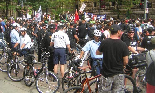 Police and protesters on Grant Street during a Sept. 25 demonstration - LISA CUNNINGHAM