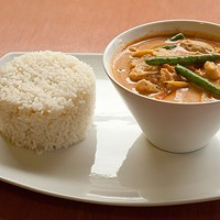 Thai Hana Red curry with chicken Photo by Heather Mull