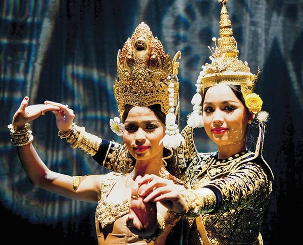 Royal Ballet of Cambodia dancers