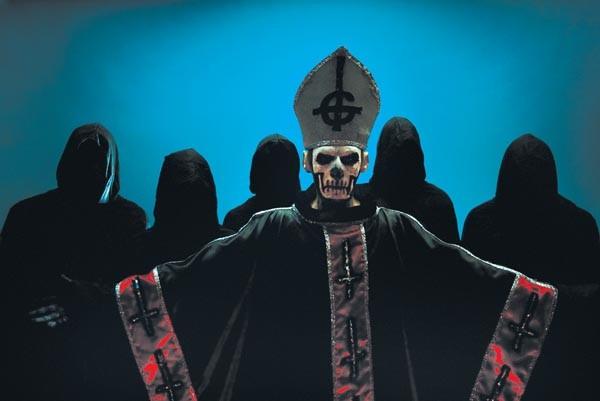 Satan's little helpers: Ghost (Papa Emeritus, center)