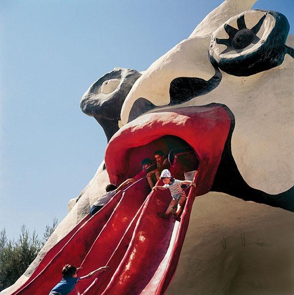 "Say ""aah"": View of Golem (Mifletzet) (1972), a playground by Niki de Saint Phalle, in Rabinovich Park, Jerusalem."