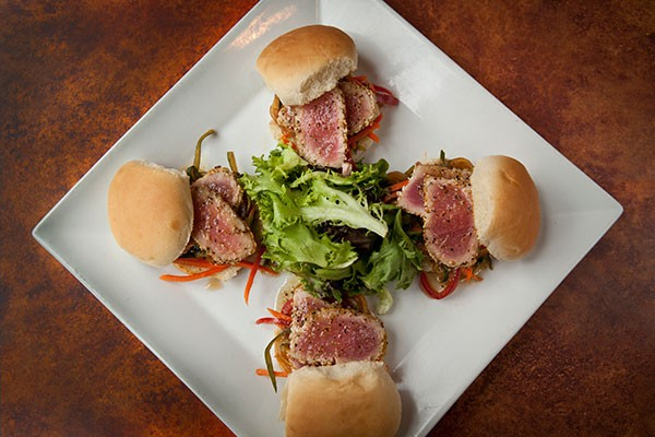 Seared tuna sliders