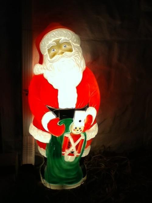 xmas_santalightup.JPG