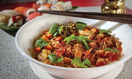 Shan tribe noodle bowl with chicken, pickled vegetables and tomato sauce - JOHN ALTDORFER