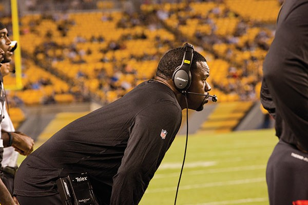 Steelers defensive assistant Joey Porter