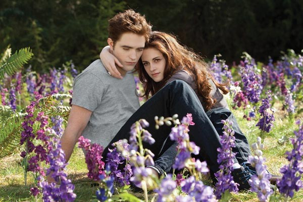 Sunny days for vampires: Robert Pattinson and Kristen Stewart