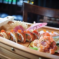 """Sushi platter, with tuna, """"Mars roll"""" and Treasure Island appetizer"""