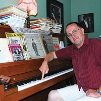 Tom Roberts keeps accompaniment alive at the Hollywood Theater