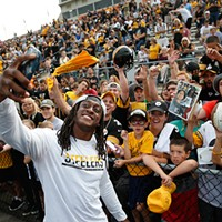 Terrell Edmunds signs autographs and takes photos with fans.