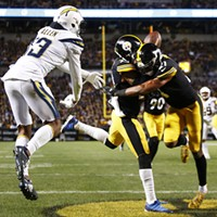 Joe Haden & Sean Davis collide to allow a touchdown catch by Keenan Allen.