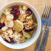 Kartofle z jogurtem: potato, kraut, yogurt, dried apple and lingonberry