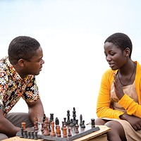 A successful match: chess coach Robert Katende (David Oyelowo) and his teen prodigy Phiona Mutesi (Madina Nalwanga)