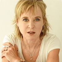 Kristin Hersh of Throwing Muses and 50FOOTWAVE talks about her new solo record, near-death experiences, and finding balance in everything