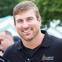 Former New England Patriot Matt Light gives Steelers fans a chance to be his guest for the AFC Championship