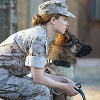 Marines Megan Leavey (Kate Mara) and Rex