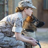 Marines Megan Leavey (Kate Mara) and Rex