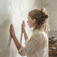 Working the walls: Jennifer Lawrence