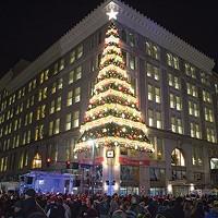 Bang a gong: A look at Pittsburgh-centric holiday traditions